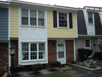 Highland Townhouse Accepted Offer Cts: 109 Vista Drive
