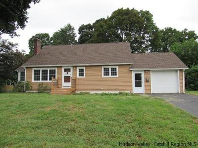 Hudson Single Family Home For Sale: 80 Paddock Place
