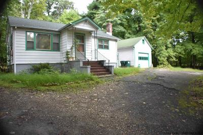 Pine Bush Single Family Home For Sale: 341 Oregon Trl