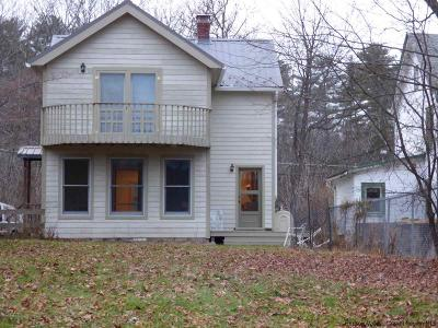 Rental For Rent: 25 Lake Hill Road