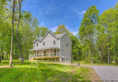 Single Family Home Fully Executed Contract: 11 Quaker Street
