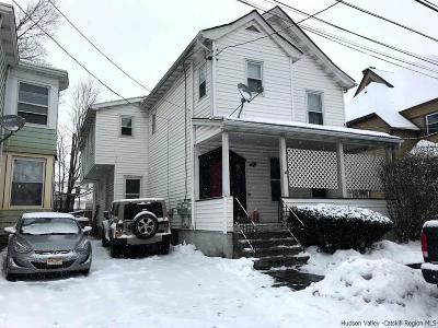 Kingston Multi Family Home For Sale: 68 Green Street