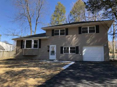 Saugerties Single Family Home For Sale: 5 Redwood Road