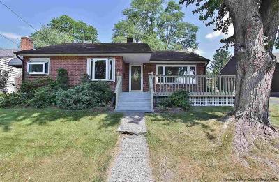 Kingston Single Family Home For Sale: 2 Florence Street