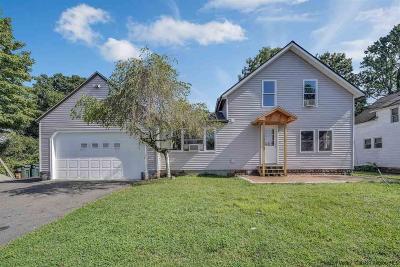 Kingston Single Family Home For Sale: 40 Lawrenceville Street