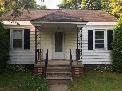 South Glens Falls Vlg NY Single Family Home Contingent Contract: $105,000