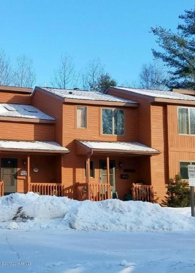 Johnsburg Single Family Home For Sale: 45o Summit Ridge