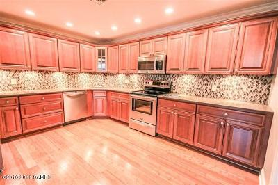 Glens Falls Single Family Home For Sale: 93 Maple St #105