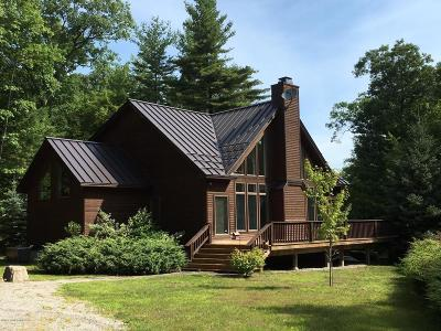 Lake George Single Family Home For Sale: 204 Stone Schoolhouse Road