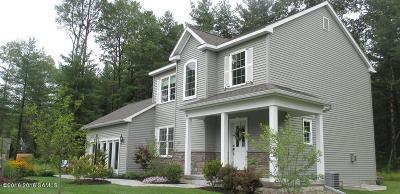 South Glens Falls Vlg NY Single Family Home For Sale: $305,900