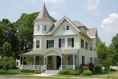 Salem Single Family Home For Sale: 14 W Broadway