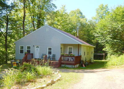 Johnsburg Single Family Home For Sale: 627 Peaceful Valley Road