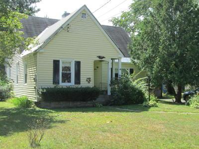 Glens Falls Single Family Home For Sale: 10 Woodard Street