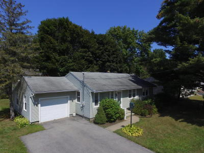 Glens Falls Single Family Home For Sale: 29 Shippey Street