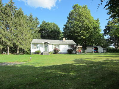 Queensbury Single Family Home For Sale: 5 Chestnut Ridge Road