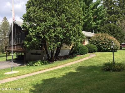 Queensbury Single Family Home For Sale: 11 Chestnut Ridge Road