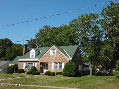 South Glens Falls Vlg NY Single Family Home Contingent Contract: $214,500