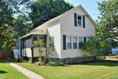 Glens Falls Single Family Home For Sale: 52 Crandall