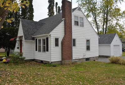 Glens Falls Single Family Home For Sale: 105 Dix Avenue