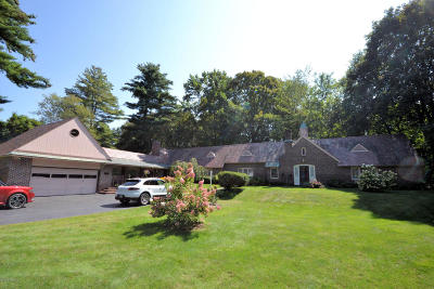 Glens Falls Single Family Home For Sale: 13 Fort Amherst Road