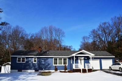 Queensbury Single Family Home For Sale: 4 Country Colony Road