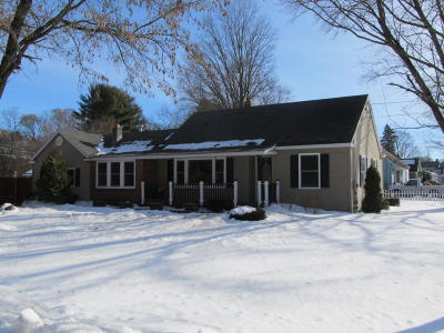 Moreau Single Family Home Contingent Contract: 16 Maplewood Parkway