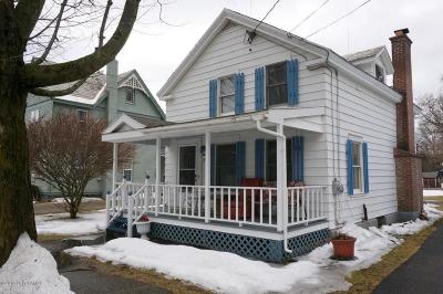 Salem Single Family Home For Sale: 15 Nichol St.