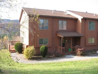 Johnsburg Single Family Home For Sale: 25l Freebern #Summit R