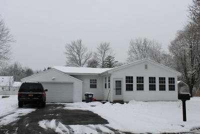Glens Falls NY Single Family Home For Sale: $149,000