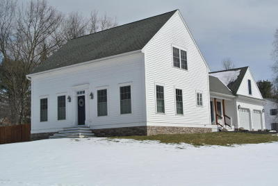 Queensbury Single Family Home Contingent Contract: 2 Thistlewood