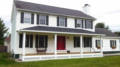 Queensbury Single Family Home For Sale: 15 Maple Drive