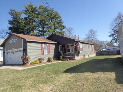South Glens Falls Vlg NY Single Family Home Contingent Contract: $179,900