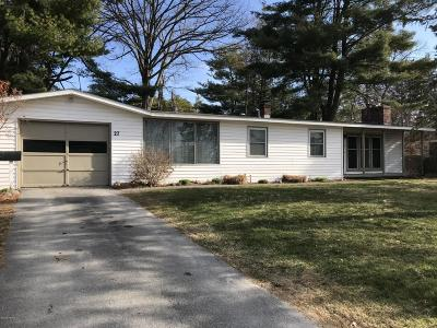Queensbury NY Single Family Home For Sale: $162,900