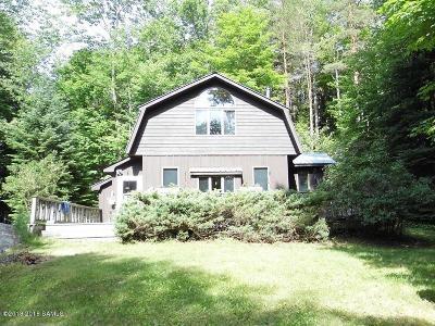 Johnsburg Single Family Home For Sale: 341 A Maxam Rd