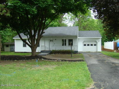 Queensbury NY Single Family Home For Sale: $149,900