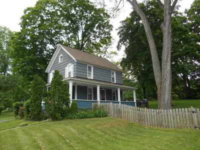 Queensbury Single Family Home For Sale: 320 Ridge Road