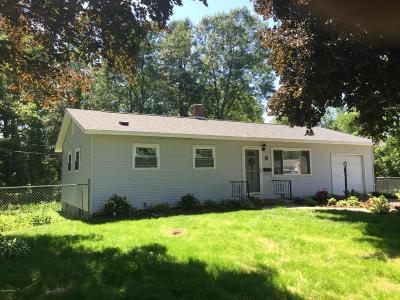 Queensbury Single Family Home Contingent Contract: 8 Vista Court