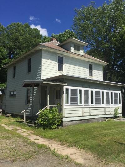 Johnsburg Single Family Home For Sale: 16 Circle Avenue