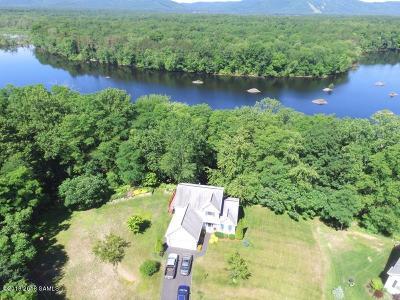 Moreau Single Family Home For Sale: 19 Dogwood Drive