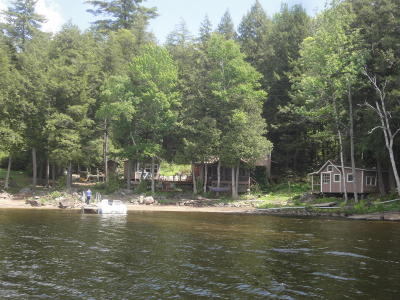 Schroon Single Family Home For Sale: 61 Boataccessonly @dock St.