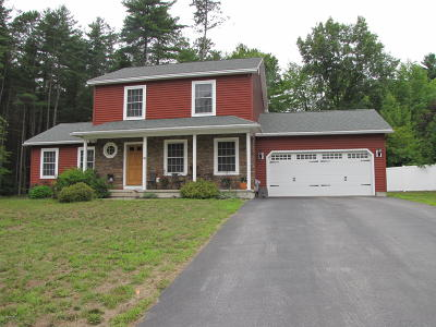 Queensbury Single Family Home For Sale: 34 Charlton Lane