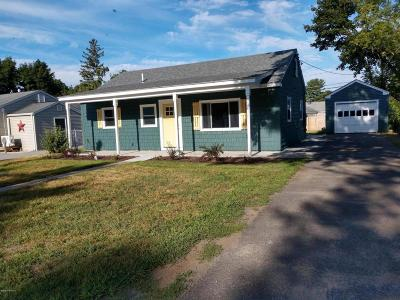 Queensbury NY Single Family Home For Sale: $179,975