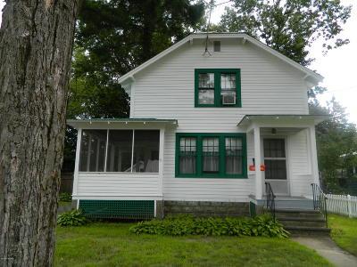 Hudson Falls Vlg NY Single Family Home For Sale: $119,000