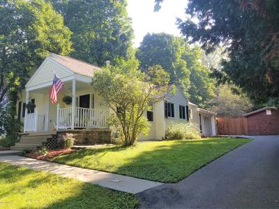 Queensbury Single Family Home For Sale: 328 Ridge Road