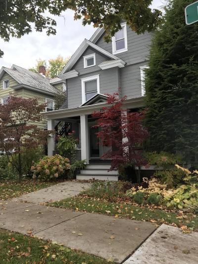 Glens Falls Single Family Home For Sale: 220 Ridge Street