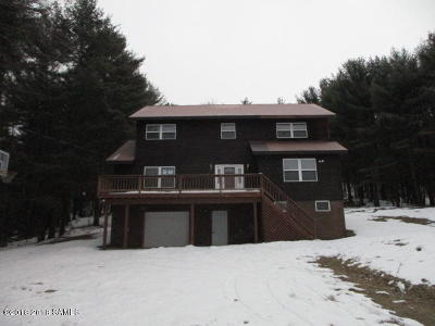 Bolton NY Single Family Home For Sale: $182,500