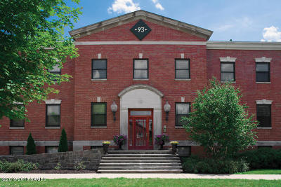 Glens Falls Single Family Home For Sale: 93 Maple Street #103