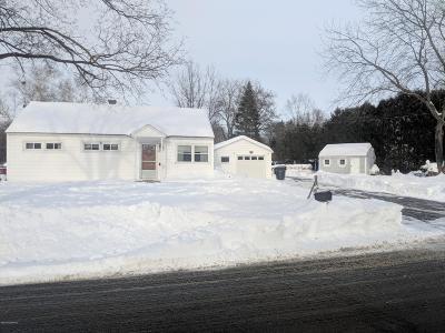 Moreau Single Family Home Contingent Contract: 5 Park Drive