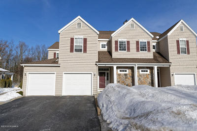 Saratoga County Single Family Home For Sale: 6 Knollwood Hollow