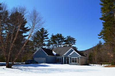 Queensbury Single Family Home For Sale: 3 Noble Way